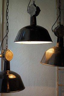 黒いファクトリーランプ-vintage industrial lamp