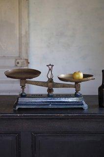 重さの遍歴 藍色の琺瑯上皿天秤-iron balance