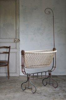 真鍮の天蓋付き揺りかご-antique victorian brass cradle