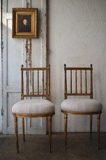 細く直線構成のゴールドチェア-antique french gold chair