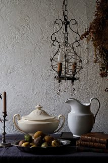 曲円にビーズドロップ舞う灯り-antique glass drop chandelier
