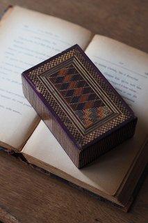 ジオメトリック格子を近くに-antique straw work trinket box