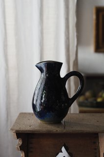 溶ける青滲む釉薬-vintage pottery pitcher