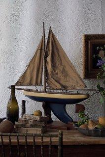 風を受けポンドヨット-antique pound yacht