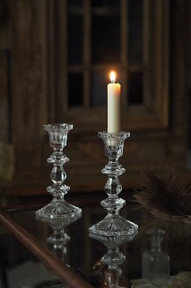 段階を生む光の連鎖、クリスタル硝子の燭台-crystal glass candle stand