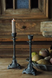 ダークで侘びた対燭台-antique pair pewter candle stand