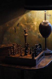 戦略と戦術 古きチェス-antique chess with box