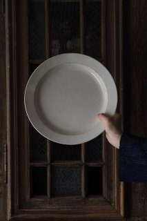 丸皿 真円は終ぞ-antique creamware round plate