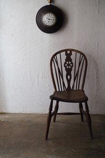歪みを見よ、とのウィンザーチェア-antique elm Wycombe chair
