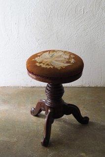 ステッチ 花と戦勝記念物 ピアノスツール-antique round stool