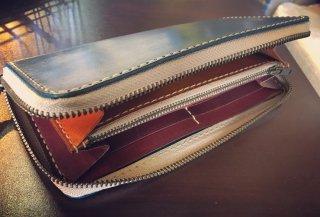 ファスナー長財布