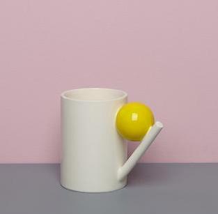 GEOMETRIC MUG_ YELLOW BALL  Design K
