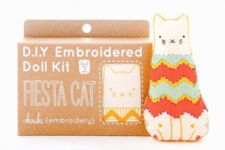 Fiesta Cat Embroidery Kit  刺繍キット(ネコ)