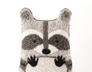 Raccoon Embroidery Kit 刺繍キット(アライグマ)