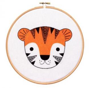 Tiger Cub - Hoop Art Kit  刺繍キット(トラの子)