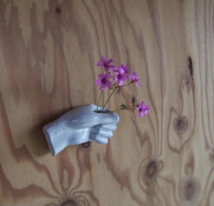 つかむ手  壁掛け花器 -MO'STO-