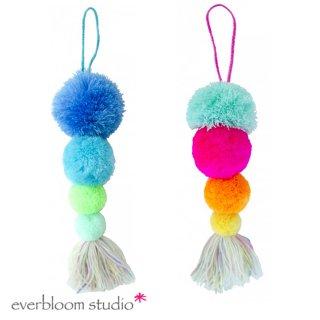【everbloom】 4連ポンポン+タッセル 26cm  全2色 【ブルー&グリーン or マルチカラー】