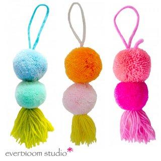 【everbloom】 2連スモールポンポン+タッセル 12cm 【ブルー&グリーン or オレンジ&ピンク or ピンク&フューシャ】