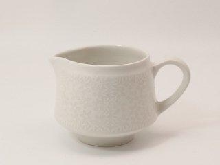 ピトゥシ (Pitsi) ホワイト / クリーマー