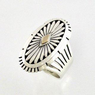 【22号】ハワードネルソン作<br>14金ゴールドを使用したサンバーストデザインのオーバルリング<br>【ナバホ族】Howard Nelson<br>