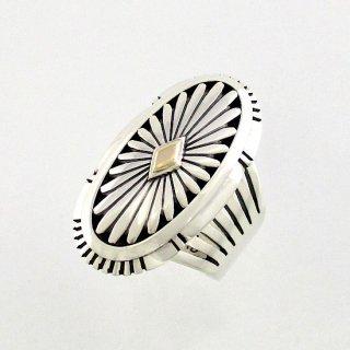【17号】ハワードネルソン作<br>14金ゴールドを使用したサンバーストデザインのオーバルリング<br>【ナバホ族】Howard Nelson<br>