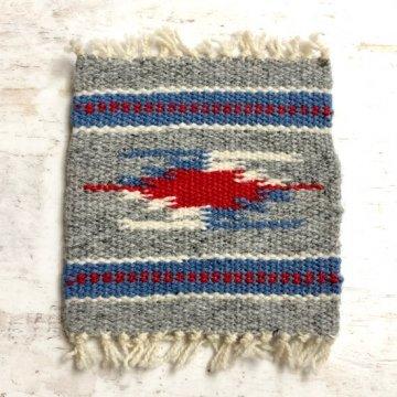 【オルテガコースター】ライトグレー01<br>ORTEGA'S WEAVING社製<br>手織りで作られたコースターラグ<br>