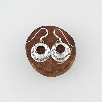 ヘンリーマリアーノ作 スタンプピアス<br>ハンドスタンプでデザインしたリング型のシルバーピアス<br>【ナバホ族】Henry Mariano<br>