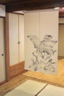 手描き麻「鷲」縦150�×横90�