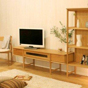北欧スタイルの脚長TVボード