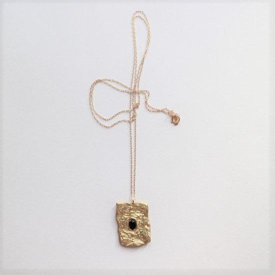 文字のよめない石盤ネックレス