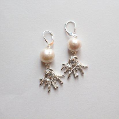 【Silver925】タコと真珠の耳飾り〜ピアス/イヤリング〜