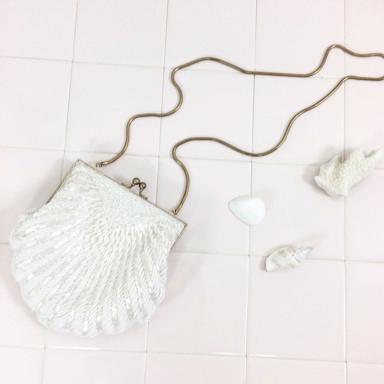 vintage white shell beads bag