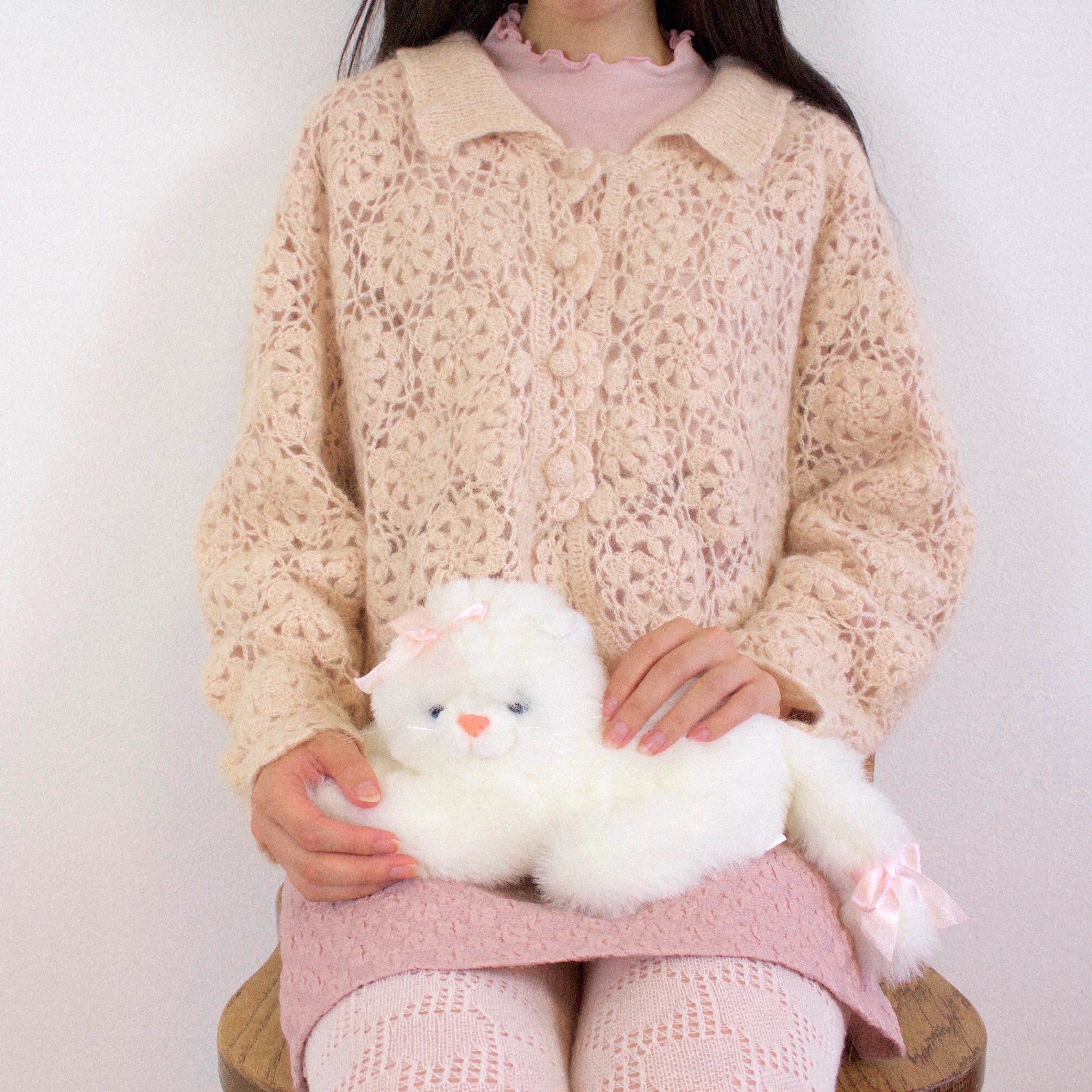 総かぎ編みモチーフのカーディガン