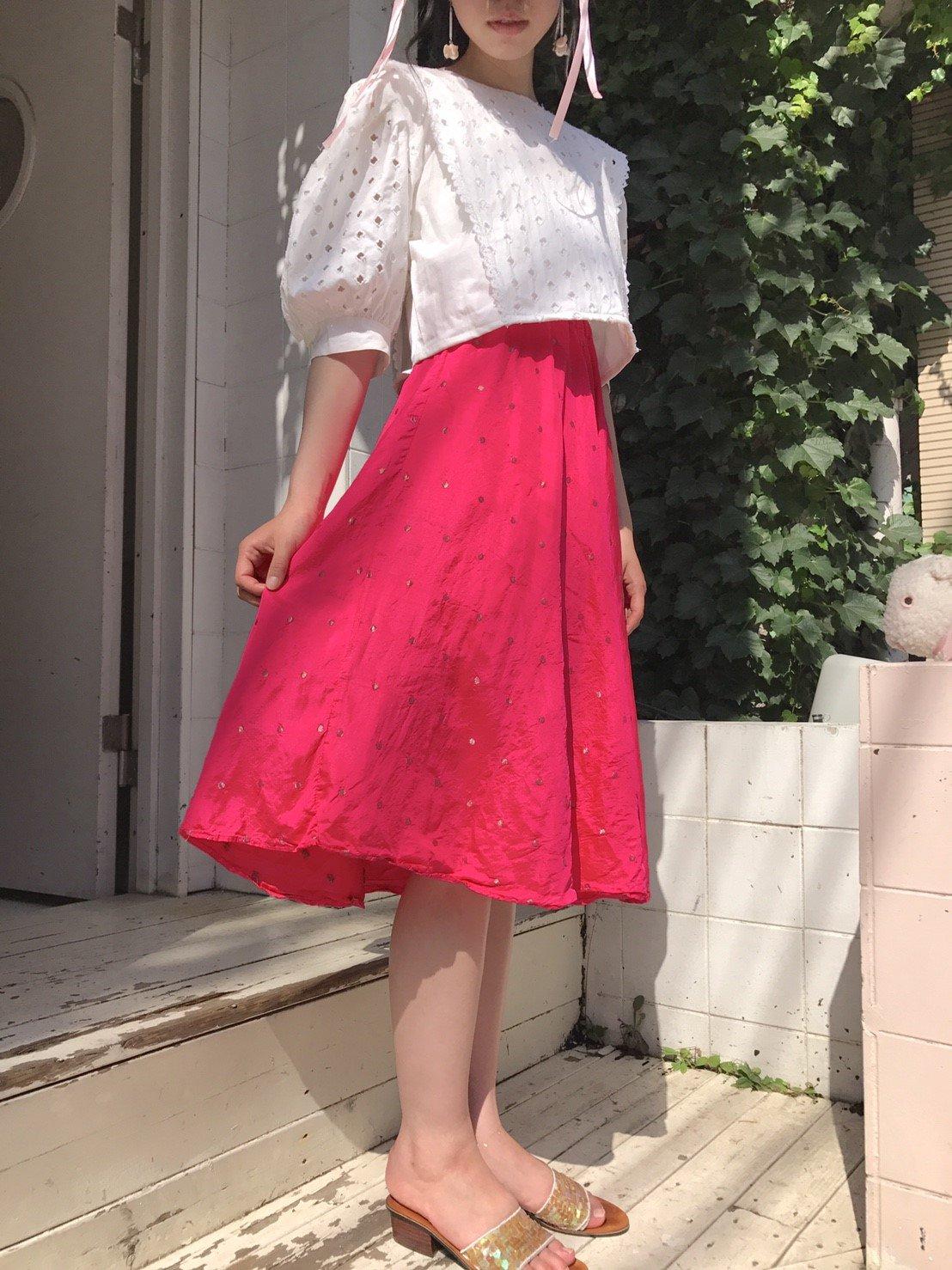 水玉刺繍 vivid pink skirt