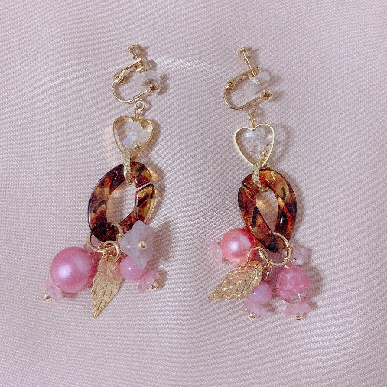 """mimi × tvm """"vintage parts earring""""ベッコウ×ピンクフラワー"""