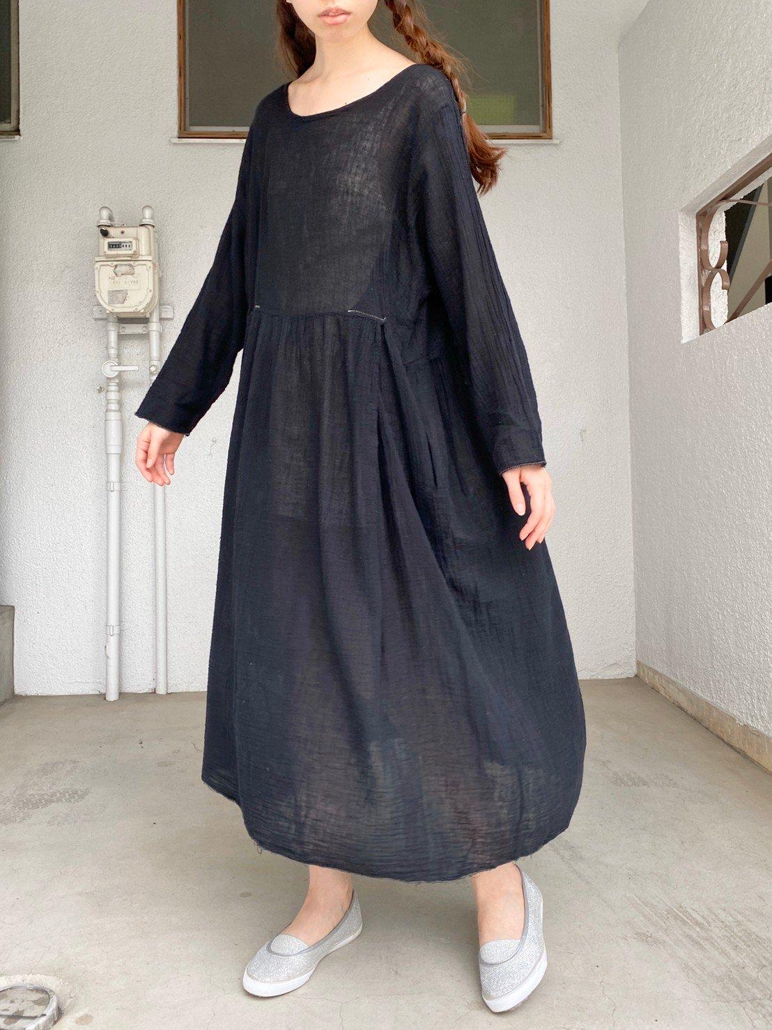 インド綿の黒ワンピース