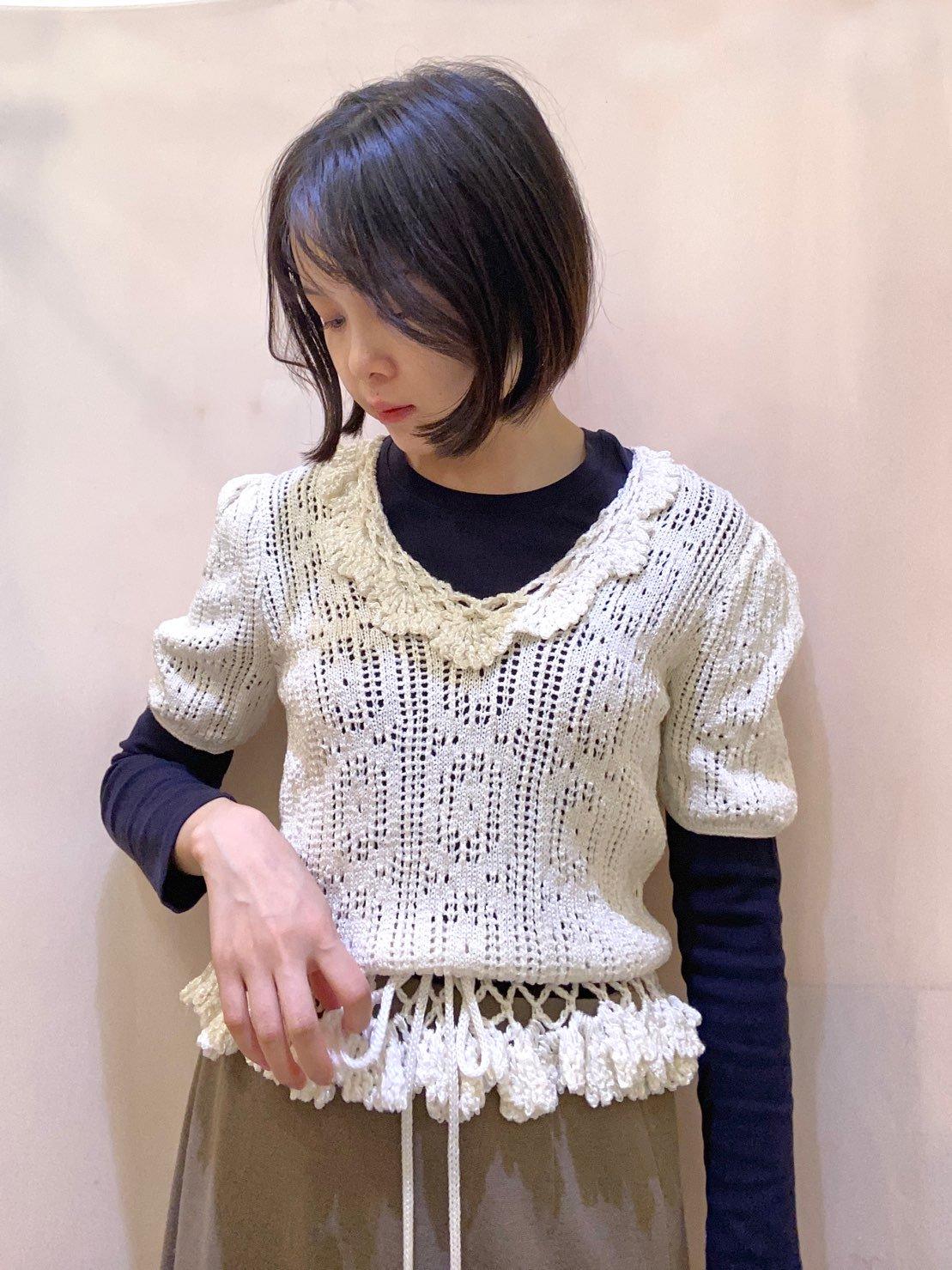white knit tops