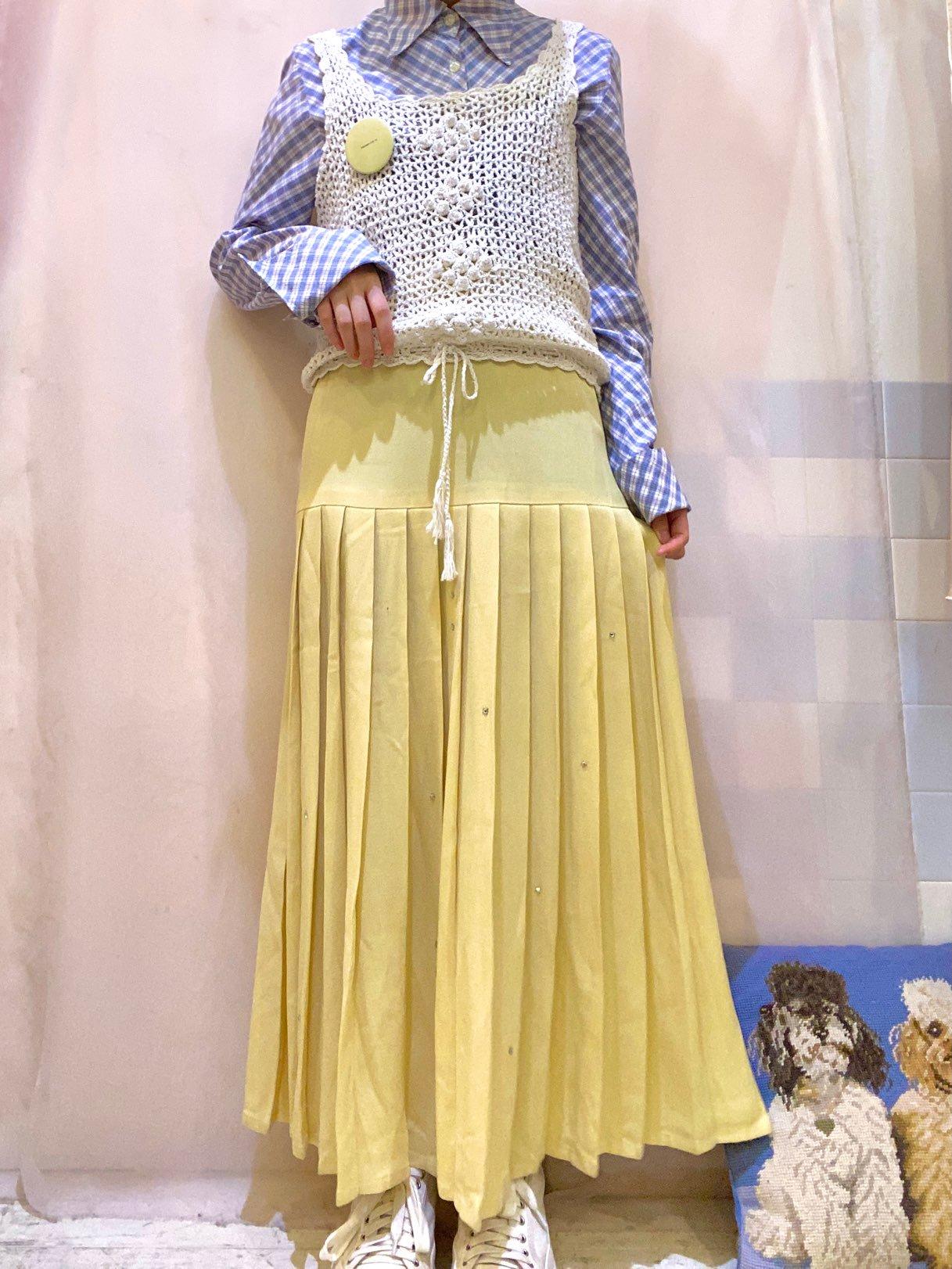mustard color pleats skirt