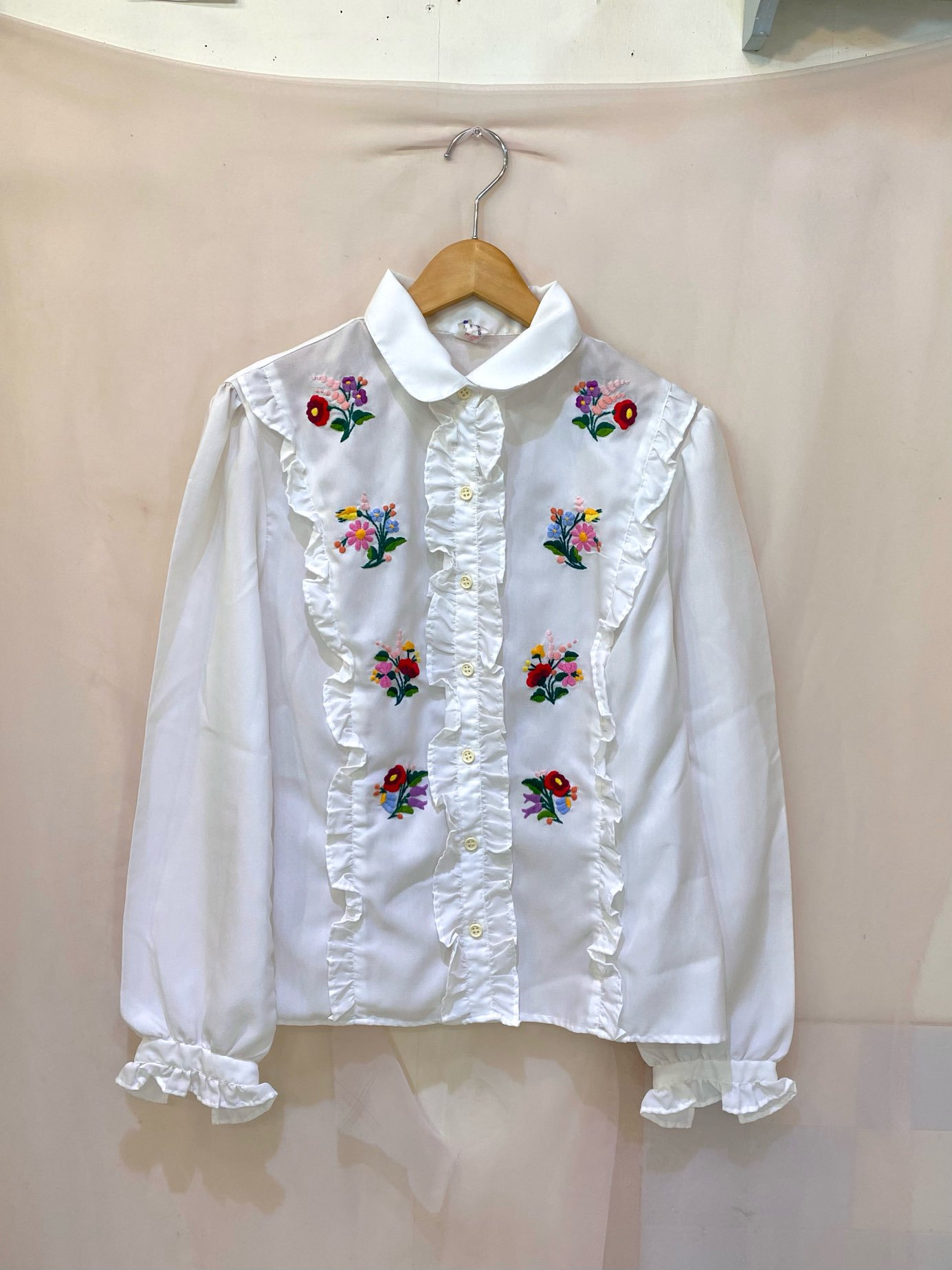 floral embroidery frill blouse