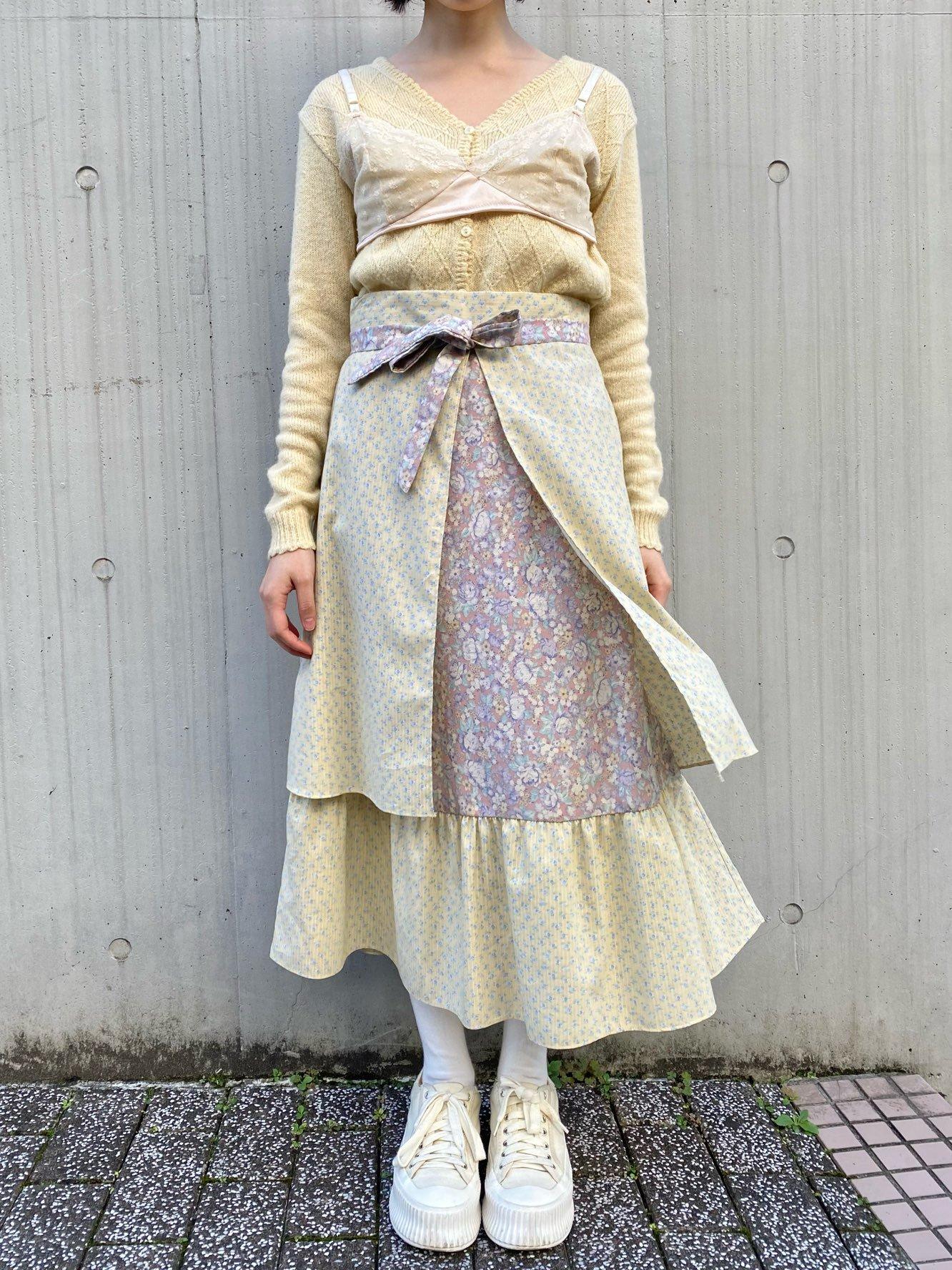 小花柄エプロン風スカート