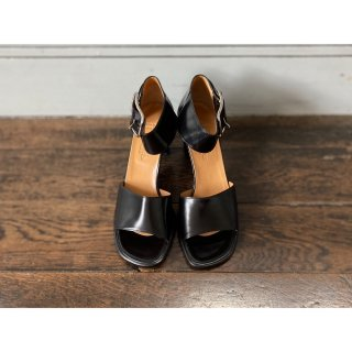 HERMES.sandals.black.36 1/2
