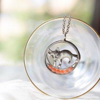 猫のシルバーペンダント・蜜蝋鋳造・サンゴ1