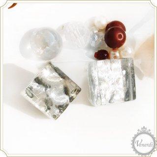 氷ったガラスタイルイヤリング