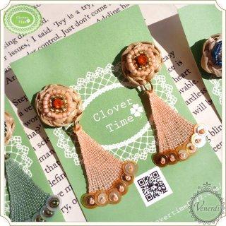 ビーズ刺繍とラフィアピアス オレンジ&ピンク