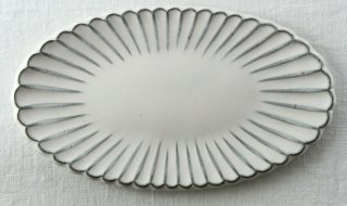 WP831 和皿/楕円(白)・花型