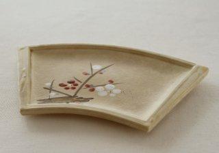 WP182 和風皿/扇形(茶)・ 梅