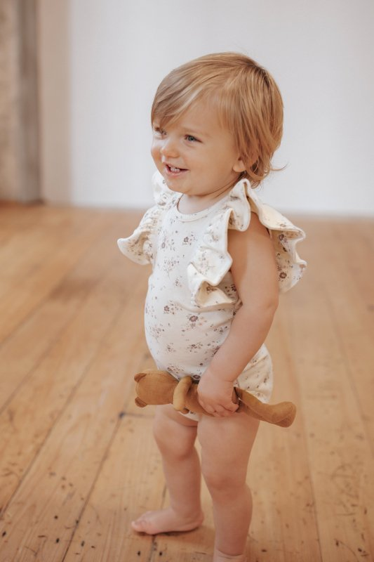 <img class='new_mark_img1' src='https://img.shop-pro.jp/img/new/icons14.gif' style='border:none;display:inline;margin:0px;padding:0px;width:auto;' />aw21 Jamie Kay  FRILL SINGLET BODYSUIT - PERIWINKLE FLORAL