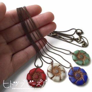 【完成品】フラワーガラスビーズのネックレス(約45cm)