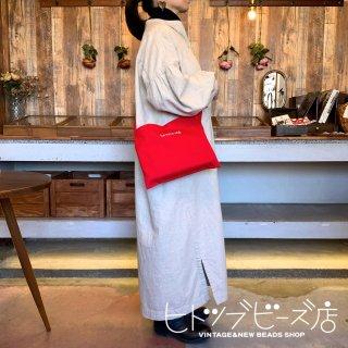 【新色ブラック追加】ロゴ刺繍サコッシュ 全3色