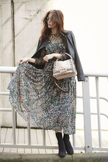 フラワープリントドレス(ブラック)